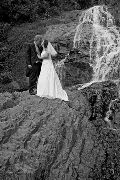 waterfall wedding ceremony at cascade country manor paarl